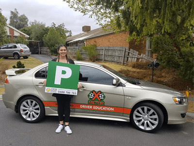 Beginner driving lessons - learn to drive young driver